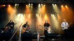 Lillebjørn Nilsen har engasjert advokat for å få enerett på gruppenavnet Gitarkameratene. Han krever en unnskyldning av gutta som også kalles Hallelujah-kameratene.