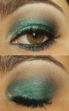 Tutorial: http://www.pausaparafeminices.com/maquiagem/tutorial-sereia-no-ano-novo/