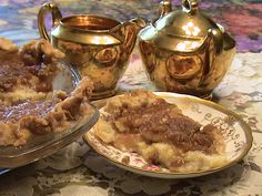 Amish Sour Cream Apple Pie with Brown Sugar Topping