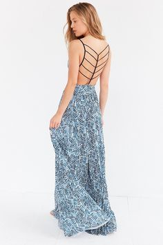 Silence + Noise maxi dress- I have this dress in Blk and with my curves it looks amazing