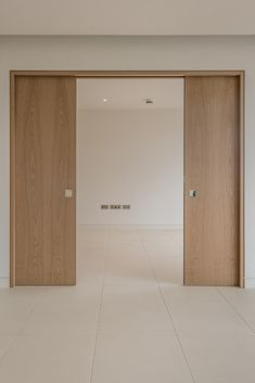 Looking for a versatile double pocket door? Selo sliding pocket doors, the Enigma, come in a wide range of finishes, designs and frame types. The perfect space saving solution, with style! Cavity Sliding Doors, Sliding Pocket Doors, Sliding Door Systems, Sliding Wall, Double Pocket Door, Pocket Door Frame, Interior Pocket Doors, Door Design, House Design