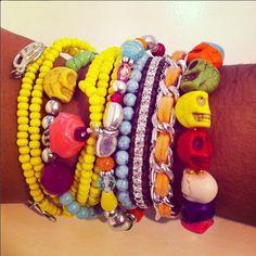 Leuke kleurijke combinatie van AC armbanden
