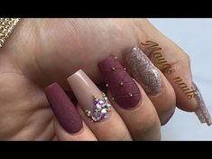 Matte nails are easy to polish, you don't have to be an artist or do complex designs to make beautiful nail art. 37 Spring Elegant Sqaure Matte Nails that you need to see. Plum Nails, Aycrlic Nails, Bling Nails, Matte Nails, Love Nails, Stylish Nails, Trendy Nails, Champagne Nails, Nails Design With Rhinestones