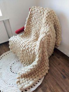 Room Rugs, Rugs In Living Room, Knitted Blankets, Merino Wool Blanket, Wool Yarn, Wool Felt, Blankets For Sale, Chunky Wool, Cozy Corner