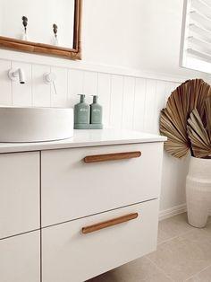 Contemporary Bathroom Designs, Bathroom Inspiration, Bathroom Ideas, Bathroom Interior Design, Kaffir Lime, Sweet Home, House Design, Color Combinations, Color Schemes