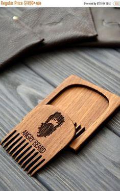 Pente em MDF. Quer um produto como este? Visite nosso site www.lojacascudo.com.br ou chame nossa equipe no whatsapp (51) 99879-0301