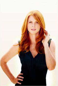 mooi rood is niet lelijk ♥ Red hair - Sarah Rafferty. Sarah Rafferty, Redheads Freckles, Red Hair Woman, Scarlett, Girls With Red Hair, Natural Redhead, Gorgeous Redhead, Hottest Redheads, Redhead Girl