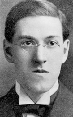H. P. Lovecraft  [without H. P. Lovecraft there wouldn't been a me around taking it to another level as I do wider ranged subject matter addressing gang violence,  hypocrisy, madness and using a Lovecraftian style terror trait to show when something is wrong.] Говард Лавкрафт, не опубликовавший при жизни ни одной книги, сделался маяком и ориентиром целого жанра, неиссякаемым источником вдохновения.
