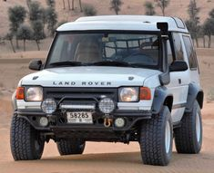 Playing out in the desert in probably the cleanest I've ever seen Land Rover Discovery 1, Discovery 2, Subaru 4x4, Lander Rover, Land Rover Off Road, Sport Suv, Range Rover Supercharged, Best 4x4, Range Rover Classic