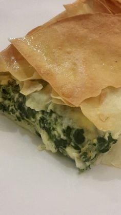 Spinach & feta pie (Spanakopita) https://thegreenroomrecipes.wordpress.com/2015/01/19/spanakopita-spinach-feta-filo-pie/