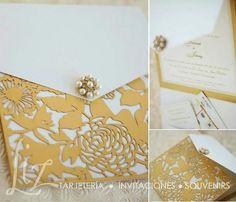 Luxury laser cut front and brooch - invitaciones de boda en tonos dorado y blanco, con broche de pedrería y perlas con tecnica  laser xut
