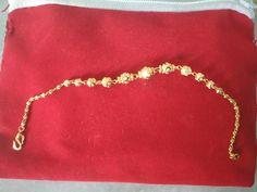 Jewelry Design Earrings, Gold Earrings Designs, Bracelet Designs, Gold Jewellery, Gold Bracelet For Girl, Gold Bracelet Indian, Gold Bangles Design, Gold Jewelry Simple, Diy