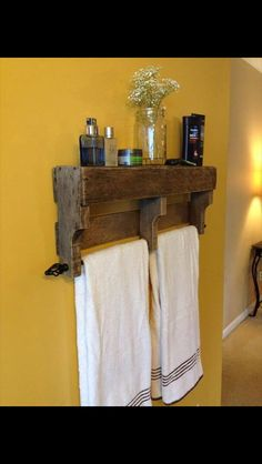 Adorable towel holder from a pallet