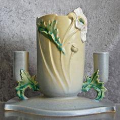 Roseville Pottery Poppy Centerpiece c. Roseville Pottery, Mccoy Pottery, Vintage Pottery, Pottery Vase, Vintage Ceramic, Ceramic Pottery, Ceramic Art, Examples Of Art, Dish Sets