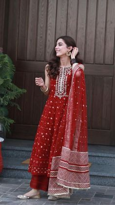 Designer dresses indian - mayaali in Norway wearing, Outfit by Dress Indian Style, Indian Fashion Dresses, Fashion Skirts, India Fashion, 70s Fashion, Korean Fashion, Fashion Women, Winter Fashion, Indian Bridal Outfits