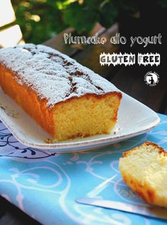 Plumcake allo yogurt - ricetta senza glutine - con Fibrepast preparato per dolci dell'azienda Farmo.