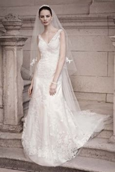 Oleg Cassini Cwg517 Wedding Dress Even though I'm no longer on the market, I LOVE Oleg Cassini! Always classic and beautiful! That's why my wedding gown was one of his!