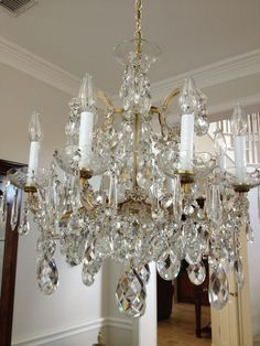 We restored this beautiful chandelier. Italian Chandelier, Dallas, Sconces, Home And Garden, Ceiling Lights, Crystals, Antiques, Chandeliers, Beautiful