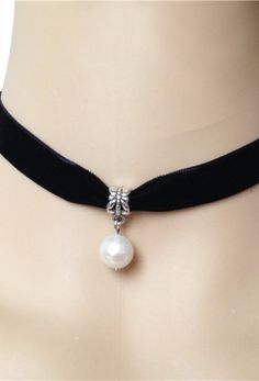 Black Deco Velvet Pearl Ribbon Choker Necklace