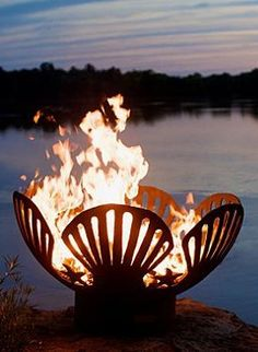 Keep the spirit of the coast alive and well into the chilly fall season with the Barefoot Beach Fire Pit; the perfect place to gather around with your guests.