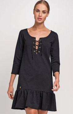 Makadamia M230 sukienka czarna Modna sukienka, wykonana z miękkiego dresowego materiału, rękaw 3/4