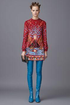 #Farbbberatung #Stilberatung #Farbenreich mit www.farben-reich.com Valentino Pre-Fall 2016 Fashion Show   Supernatural Style