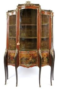 A LOUIS STYLE GILT METAL MOUNTED AND VERNIS MARTIN TRIPLE DOOR VITRINE,19TH CENTURY
