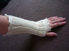 CROCHET PATTERN Knit-Look Crocheted Fingerless Gloves - Pattern PDF.