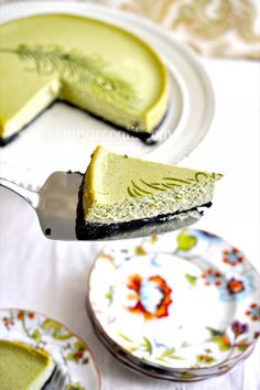Deliciously light and airy, this Matcha Cheesecake is nine-inch piece of green heaven is the perfect, not-to-sweet treat to satisfy your dessert craving. Green Tea Cheesecake, Oreo Crust Cheesecake, Cheesecake Recipes, Dessert Recipes, Just Desserts, Delicious Desserts, Matcha Tea Powder, Green Tea Ice Cream, Green Tea Recipes