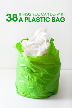 38 Things you can Do with a Plastic Bag So you're stuck with plastic bags, but don't want to create more waste. Well here are 38 amazing ideas to reuse or repurpose those plastic bags. Easy Plastic Bottle Crafts, Reuse Plastic Containers, Reuse Plastic Bags, Plastic Bag Storage, Plastic Grocery Bags, Plastic Bag Crochet, Reuse Old Tires, Reduce Reuse Recycle, Upcycled Crafts