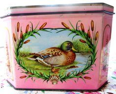 Vintage tin retro biscuit tin Huntley and Palmers by BettyBVintage, £12.00