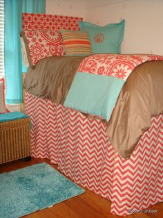 beautiful dorm bedding