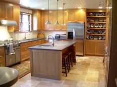 Beadboard Ceiling in a Wood-Toned Kitchen http://ths.gardenweb.com/forums/load/kitchbath/msg0320305719279.html
