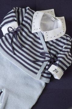 Conjunto cashquere, azul claro e marinho, com body gola poá azul marinho, e iniciais do bebê bordado na manga = Puro charme!!! | Flickr - Photo Sharing!