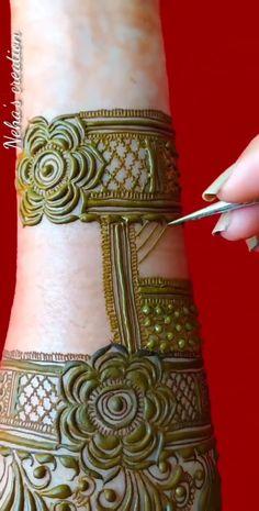 Khafif Mehndi Design, Basic Mehndi Designs, Heena Design, Henna Art Designs, Stylish Mehndi Designs, Mehndi Design Pictures, Mehndi Designs For Girls, Mehndi Designs For Fingers, Latest Mehndi Designs