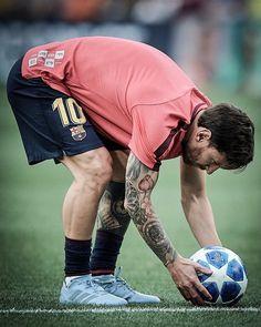 Football Love, Football Players, Ak 74, Leonel Messi, Messi 10, Football Wallpaper, Edd, Best Player, Fc Barcelona