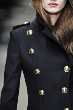 ill-mannered: chateau-de-luxe:moda-senza-tempo: Fall 2010 Ready-to-Wear Burberry Prorsum