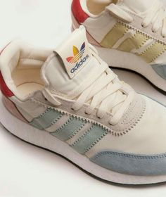 ADIDAS Pride Sneaker cream white 48070 Source by zappzerapp sneakers outfit Moda Sneakers, Sneakers Mode, Best Sneakers, Sneakers Adidas, Sneakers Fashion, Fashion Shoes, Shoes Sneakers, Shoes Addidas, Adidas Shoes Women