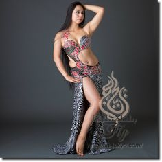 Design by Asi Haskal / Model: Yoshie / Fig Belly Dance / World Wide Shipping #figbellydance #bellydancecostume #worldwideshipping