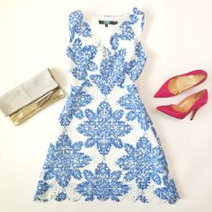 Scalloped lace dress, pink pumps and shimmered pouch clutch // http://www.stylishpetite.com/2015/04/daily-outfits-recent-purchases-and-bow.html