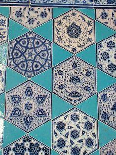 Muradiye Mosque (ムラディエ モスク) / エディルネ : - イスタンブル発 - トルコタイル通信