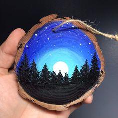 Stone Art Painting, Star Painting, Pebble Painting, Pebble Art, Wood Ornaments, Christmas Tree Ornaments, Painted Rocks Craft, Painted Pebbles, Night Sky Painting