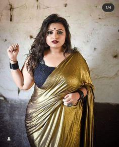 Beautiful Muslim Women, Beautiful Girl Image, Beautiful Curves, Beautiful Saree, Beautiful Housewife, Saree Look, Indian Beauty Saree, Curvy Women Fashion, India Beauty