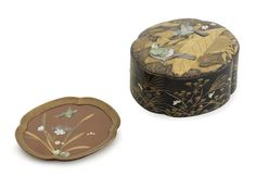 An inlaid black-lacquer four-lobed kobako (small box) and cover Meiji era (1868-1912) (3)