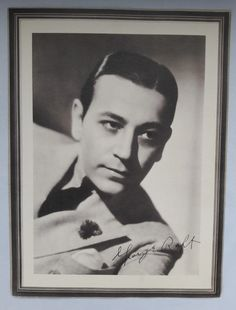 George Raft Black and White Publicity Photograph | 21 Vintage Street Vintage Books, Vintage Paper, Etsy Vintage, Vintage Art, Vintage Items, Golden Age Of Hollywood, Classic Hollywood, Paramount Pictures, Studio Portraits