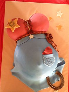 Western baby shower cake - Amanda isn't western by any means - but this was just too cute not to pin