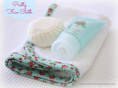 Pretty+Face+Cloth++1.jpg (1600×1205)  from the spoonful of sugar blog , free tutorial