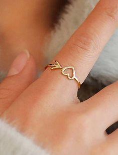 Hand Jewelry, Jewelry Rings, Jewelry Accessories, Jewelry Design, Etsy Jewelry, Jewelry Shop, Beaded Jewelry, Jewlery, Cute Rings