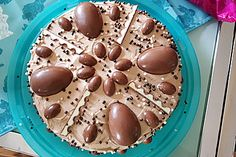 Überraschungsei Torte Surprise egg cake delicious and light (recipe with picture) Pecan Recipes, Sweet Recipes, Baking Recipes, Cake Recipes, Dessert Recipes, Dessert Oreo, German Baking, Egg Cake, Food Humor