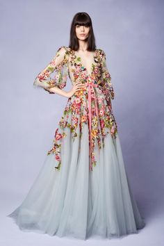 Get inspired and discover Marchesa trunkshow! Shop the latest Marchesa collection at Moda Operandi. Beautiful Gowns, Beautiful Outfits, Couture Fashion, Runway Fashion, Party Fashion, Haute Couture Dresses, Lolita Fashion, Fashion 2018, Fashion Trends